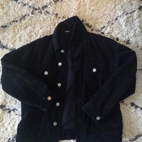 Flot sort jakke fra Urban Outfitters (BDG) til 99kr
