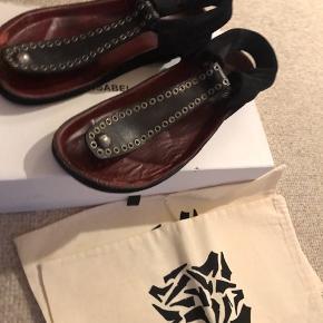Inkl orig kasse og stofpose til hver sko. Så fine. Let slid derfor lav pris
