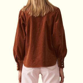 """Sælger denne fede Ganni skjorte/""""jakke"""". Aldrig brugt og stadig med prismærke! Byd💜"""