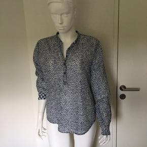Super lækker skjorte str. M fra Copenhagen Luxe🥰 70 % bomuld og 30 % silke