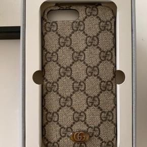 Helt nyt Gucci cover til IPhone 8 plus - aldrig brugt!!  Fejlkøb - så derfor aldrig været brugt   Alt originalt emballage medfølger