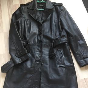 Visual ægte skindfrakke sælges  Str 44 Giv evt et seriøst bud
