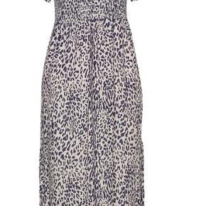 Smuk kjole, aldrig brugt kun prøvet på :)