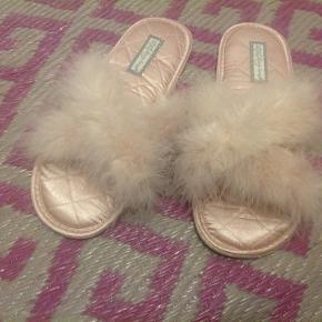 Love to lounge andre sko & støvler