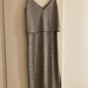Aldrig brugt kjole :) rigtig fin