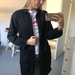 Super ved jakke fra Mads Nørgaard, som kan bruges som cardigan eller en fin jakke. Skriv endelig for flere billeder, er også åben for bud