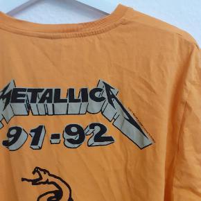 Asos - Metallica t-shirt Gul med print Str. M 75,- + evt. fragt
