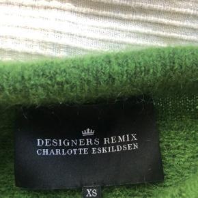 sælger min bløde sweater fra designers remix  den er næsten ikke brugt  mp: 200 eller byd