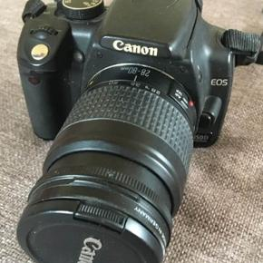 Canon Kamera  Stativ og blitz medfølger   Hentes i Køge eller sendes med dao