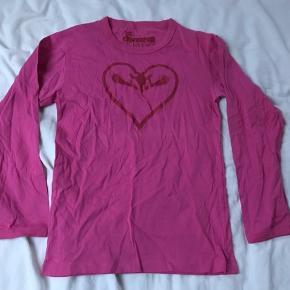 Langærmet t-shirt / bluse med hjerte, str 8. Gmb   Mp 30pp