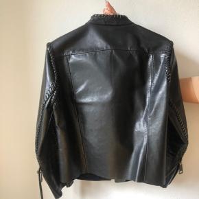 Acne Studios læder jakke (en sample).  XS - S  Næsten ikke brugt