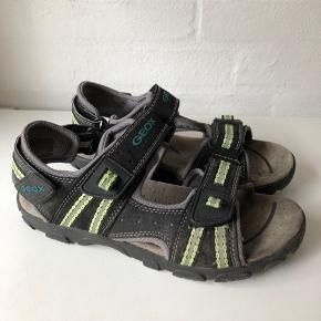 Fine sandaler i bedste kvalitet. Brugt meget sparsomt. Nypris 599kr