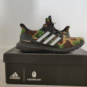 ULTRA BOOST X BAPE COND: 9/10 KVITTERING OG BOX HAVES