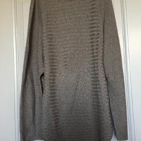Masai sweater