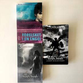 """""""Hush, hush""""- bogserien skrevet af Becca Fitzpatrick.  Alle 3 bøger sælges samlet for 85 kr. Afhentes eller sendes med DAO"""
