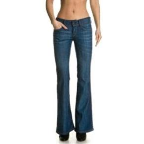 Model 609, str 28-32.  Tags: Prada / Fedi / vintage / prada / pink / rosa / Styleaddict / Levi's / Vergegirl  Levis Levi's  levi's  Levi's jeans  Levi's bukser  Bukser  Jeans  Blå jeans  Denim Levi's Levi's Denim  Denim  Denim jeans
