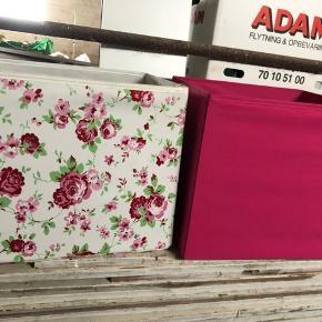 Fine kasser til fx legetøj fra ikea  Prisen er for begge kasser