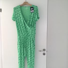 Comfy Copenhagen - ny jumpsuit. Blød og lækker. Prøvet på - aldrig brugt. Str S/M
