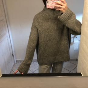 Oversized grå sweater fra H&M🤍 Størrelse medium! Byd