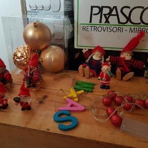 Forskelligt julepynt sælges billigt,Kom gerne med et bud på det du er intresseret i.