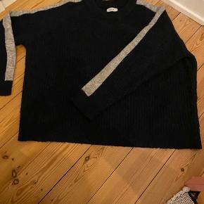 Fin sweater fra Envii🧡 Næsten som ny, ikke brugt særligt meget. BYD