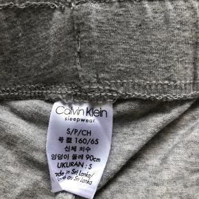 Helt nye Calvin Klein natshorts. Prisen er fast.