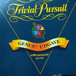 Trivial Pursuit Genius udgave fra 1995. Brugt men alle dele og brikker er der og der er mange sjove og lærerige timer for hele familien. Måske en oplagt julegave.....