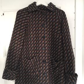 God men brugt frakke fra Margit Brandt. Fejler ikke noget.  Nypris: 1600kr Sælges billigt!