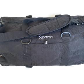 Supreme Weekendtaske