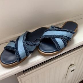 Passer en størrelse 38/39 - super fine cowboy sandaler / flats / loafers