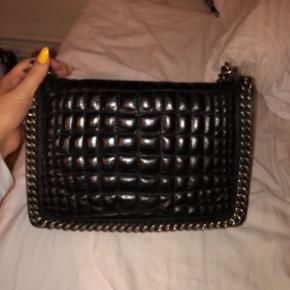 Sælger min dejlige Zara taske, da jeg ikke længere får den brugt desværre:(Mp. Er 350!