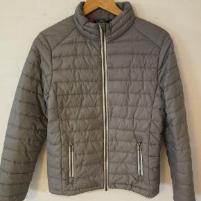 Tuxer jakke