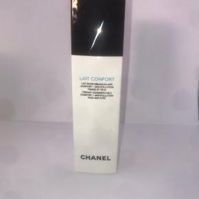 Chanel lait confort creamy cleansing milk face and eyes.   Brugt meget få gange.   Køber betaler fragt!