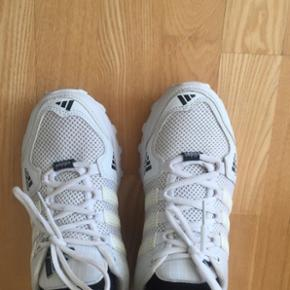 Vintage Adidas sko  Str. 38  Aldrig brugt! BYD!