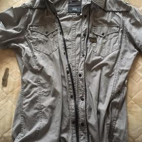 Fed skjorte med korte ærmer.;)