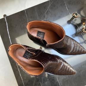 Helt nye støvler, aldrig brugt.