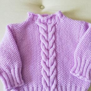 Lys lilla sweaters. Home made. Sååå fin.