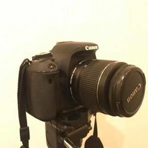 Super fint spejlreflekskamera (Canon eos 600D) sælges med tilhørende stativ, kamerataske og 18-55 mm linse , HVIS RETTE BUD KOMMER. Har enkelte brugsridser, men fremstår ellers som nyt. Sælges uden oplader.Kameraets nypris i dag står til 5408 kr. ifølge Pricerunner.