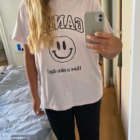 Ganni t-shirt  Har været brugt én gang