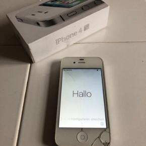 iPhone 4S 16GB hvid + oplader (skærm/glasset skal repareres) 200kr  *Den virker som den skal. Klar til afhentning eller kan sendes (køber betaler portoen; sender med DAO)