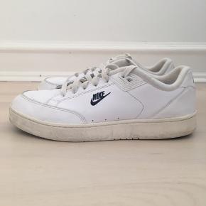 Nike sko  Str 43  Se også de mange andre annoncer på min profil.