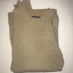 Lækker sweater passes af Small/medium