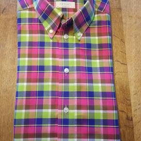 Varetype: Skjorte Størrelse: 43 Farve: Multi Oprindelig købspris: 1300 kr.  Super flot Eton Contemporary skjorte.. Str. 43  Se også mine andre varer af høj kvalitet, og i en Superb stand.