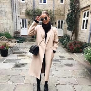 Smuk uldfrakke fra Zara. Brugt få gange - nypris 1000,-