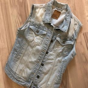FIVEUNITS vest