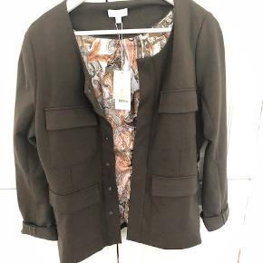 Dea Kudibal jakke