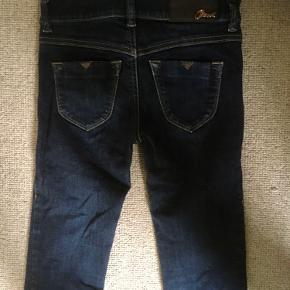 Diesel skinny jeans. Aldrig brugt. Str. 23 der svarer til ca. str. 158. Smalle ben. Sender med DAO. Køber betaler forsendelse.