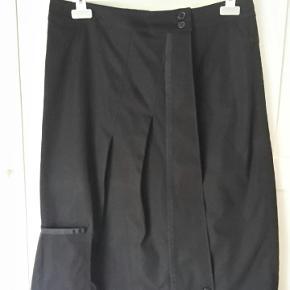 Nederdel i en god kvalitet med smarte detaljer.