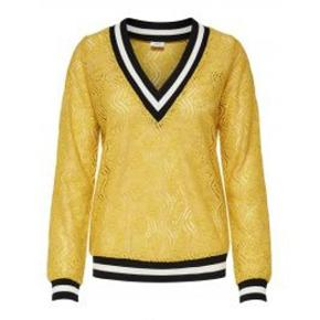 Jeg har ryddet ud i klædeskabet og fundet en masse flotte ting som sælges billigt, finder du flere ting, giver jeg gerne et godt tilbud.....  * Ny bluse fra JDY desværre købt for lille.