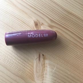 ModelCo makeup